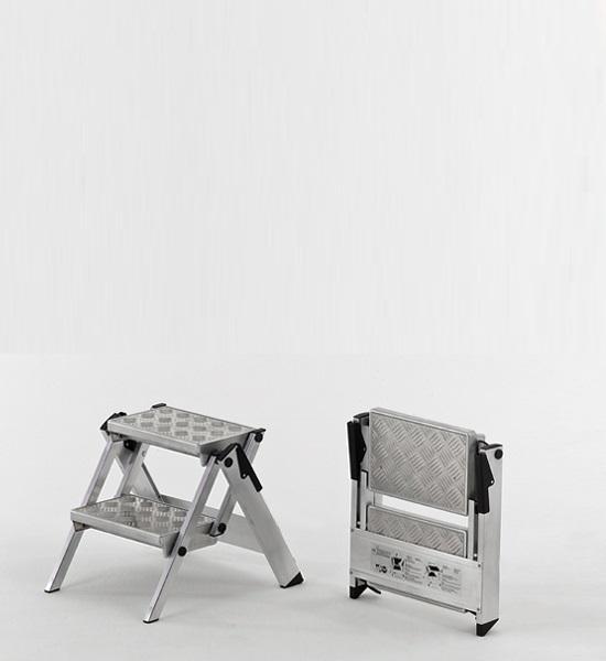 Werkbordes 2 treden 220 compact tranenplaat treden